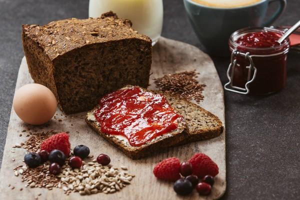 LowCarb* Brot - das Kernige